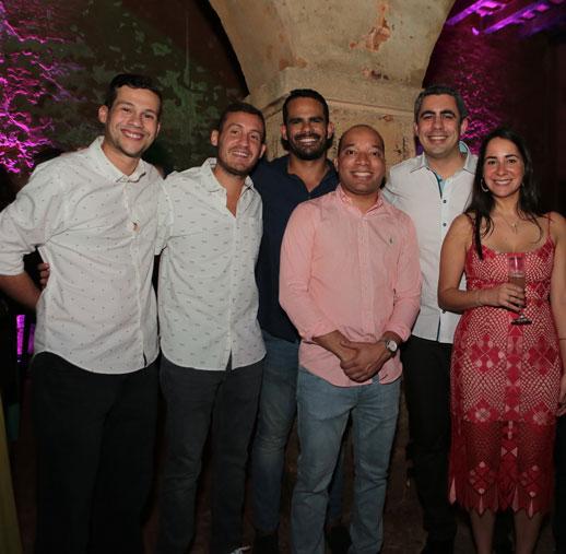 Orlando Flores, Gabriel Laboy, Oscar Taboas, Fernando Ayala, Milton Segarra, Valeria Vega