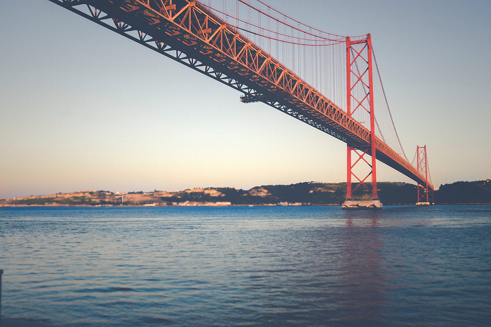 Мост имени 25 апреля, Лиссабон, Португалия