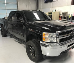 Got this chevy 2500 blacked out today using _suntekfilms carbon film