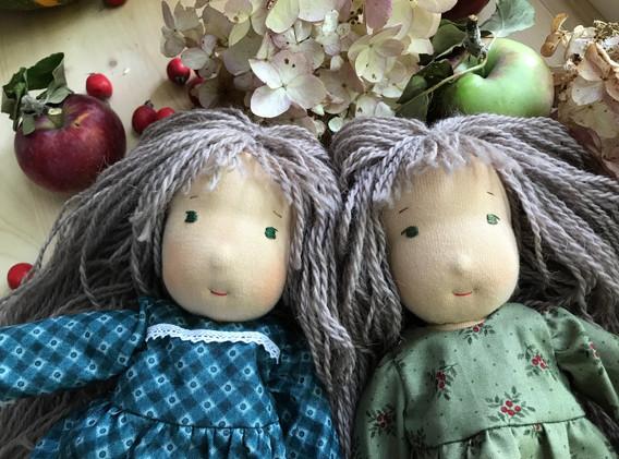 куклы-близняшки