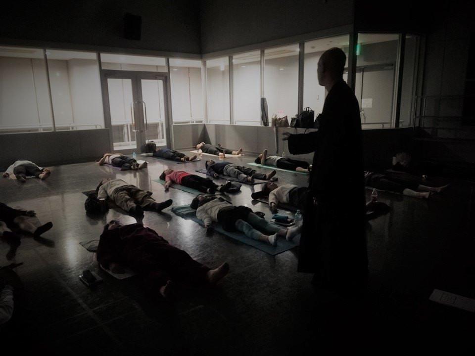 超瞑想的野口体操 プラムヴィレッジ僧侶 ブラザー・サンライト