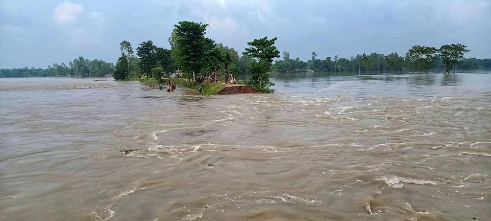 Cracks appear in Punarbhaba dam