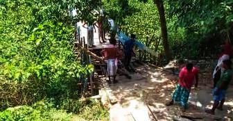 পাশের গ্রামে করোনা, আতঙ্কে সাঁকো ভেঙে দুই গ্রামের যোগাযোগ ছিন্ন