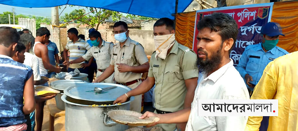 Police handed over cooked food to 120 Flood affected families