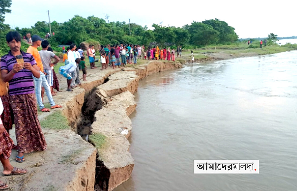 bank-erosion-of-the-ganges-in-malda