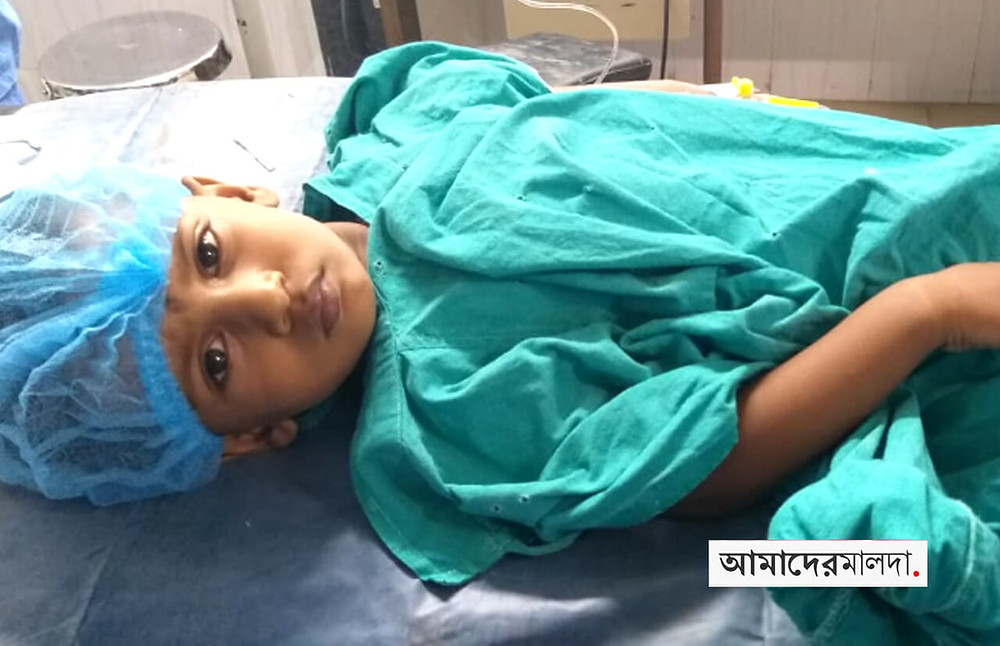 Doctors remove battery from a child's stomach in Malda