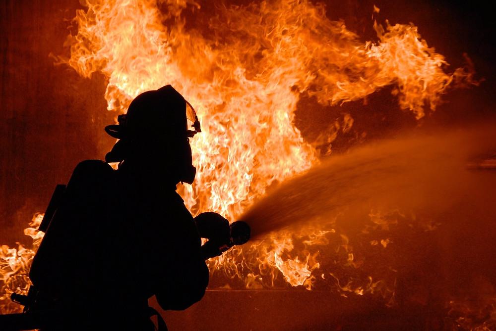homes burned in flames in manikchak