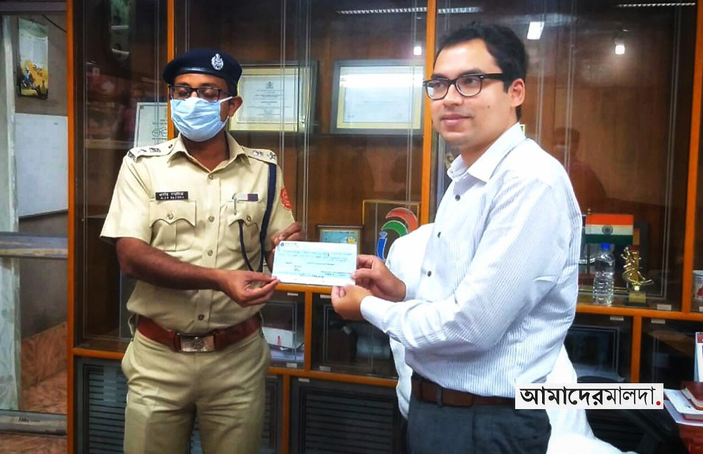 Malda Police donates to chief minister relief fund