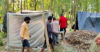 গ্রাম বাঁচাতে জঙ্গলে আশ্রয় নিয়েছেন গাজোলে শ্রমিকরা