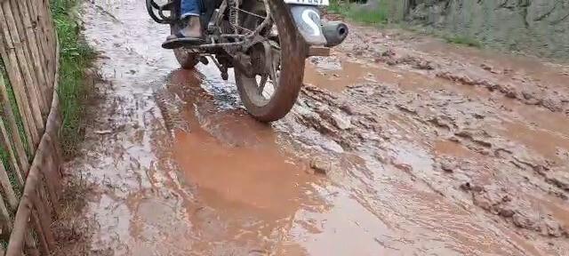 road-blockade-in-harishchandrapur-kushida-road