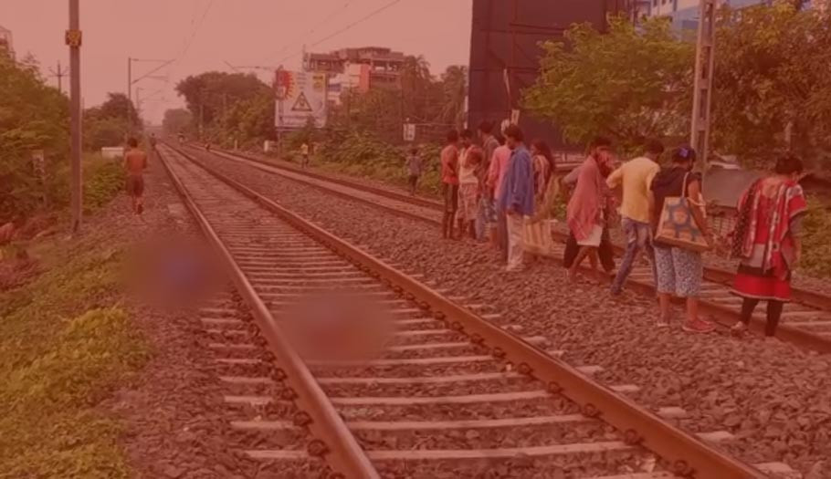One person died in a train accident in malda