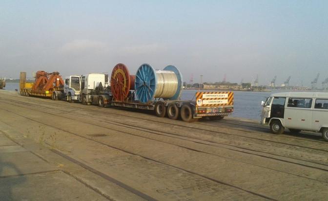 Transporte de equipamentos e carreteis