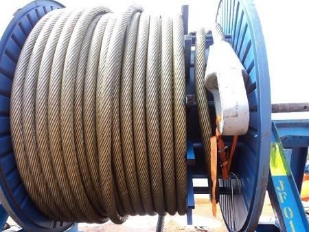 Manuseio de cabos de aços especiais (resistentes a rotação)