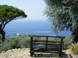アグリツーリズモからナポリ湾を見下ろすベンチ