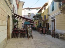 decumanus-street-1