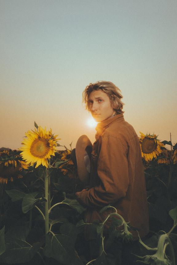 Sunflower Portraits Josiah and Laurel-4495.jpg