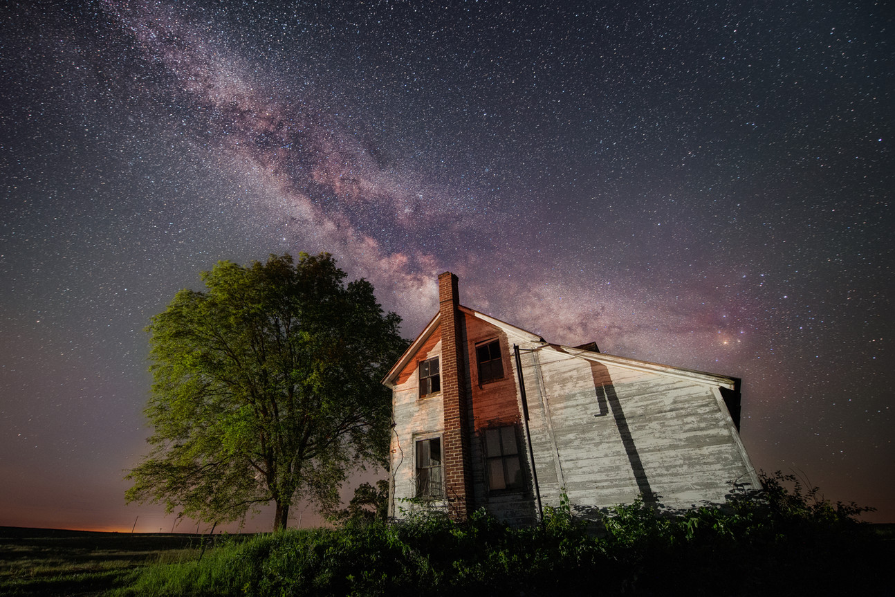 MN Abandoned Farm Milky Way Stack-.jpg
