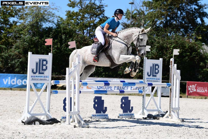 Centre Equestre Montaubert 4.jpg