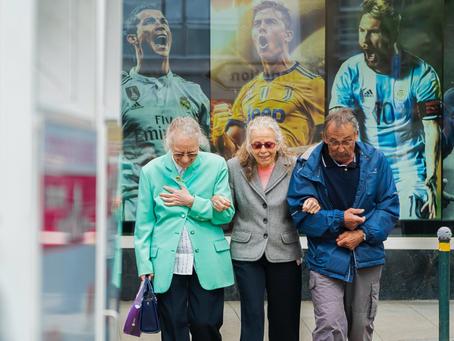 Tips on Social Jobs for Outgoing Seniors