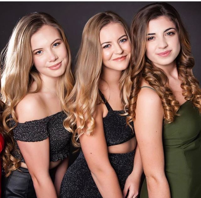 makeup & hair for these lovely girls😍_•