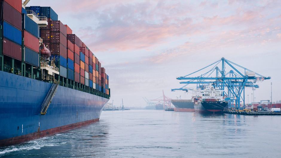 Kapazitätsengpässe + Kostenexplosion in der Seefracht