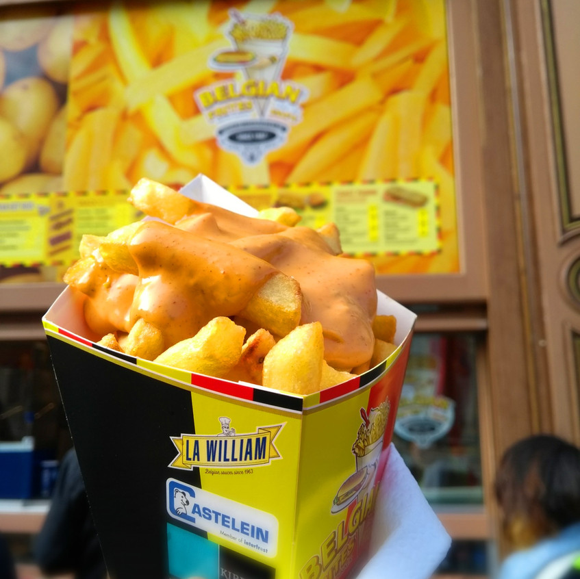 Frites and a tasty sauce