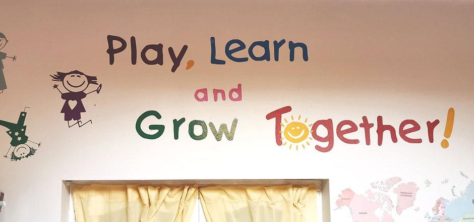 Montessori%20Monkeys%20Play%20Learn%20Grow%20Together%201_edited.jpg