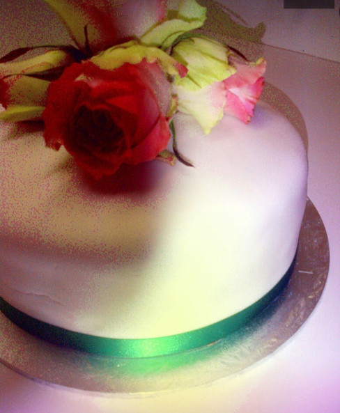 Floral small cake