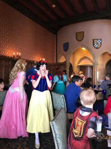 Almuerzo con Princesas