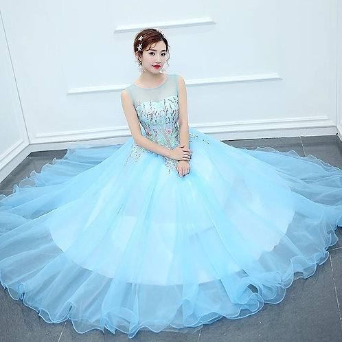 Dazzling tissue Light blue ball Gown