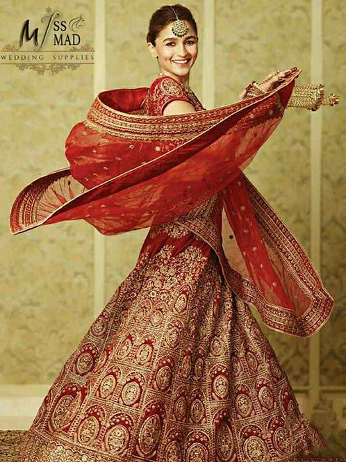 Grand design red ethnic wear