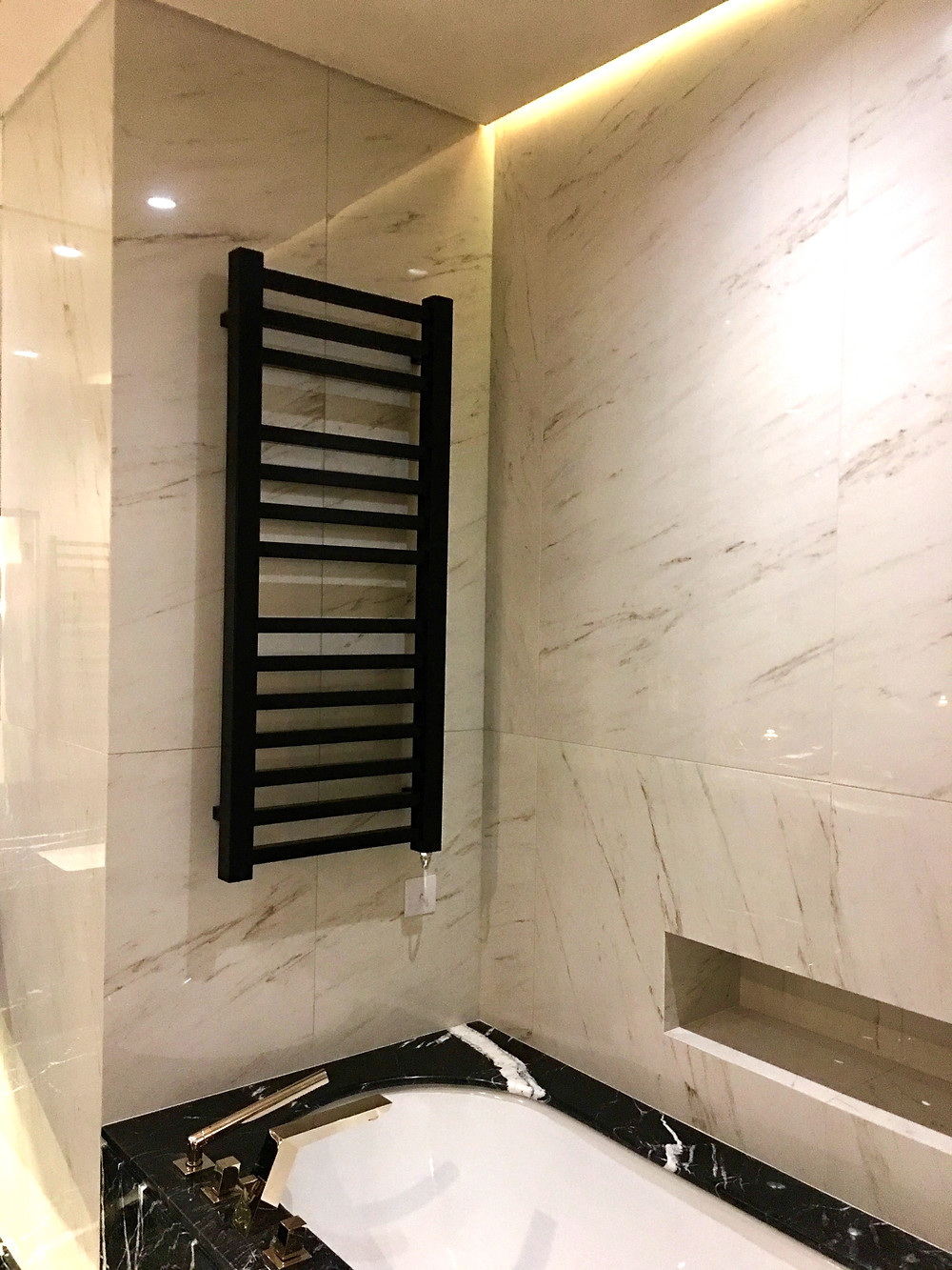 Large format tiles for bathrooms walls and floors