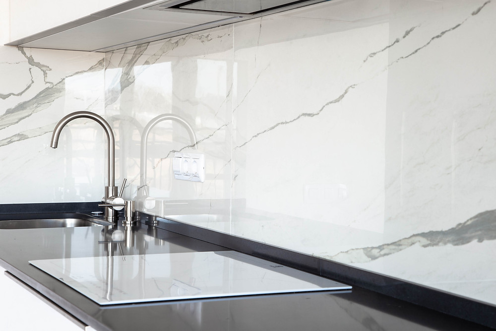 Kitchen splash back in quartz