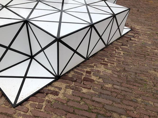 Squares_def04K.jpgSquares door AamSolleveld in opdracht van de bewoners en de gemeente Deventer