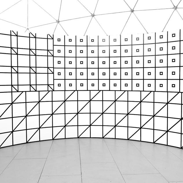 Witte Arena, Amsterdam, NL 2016, Aam Solleveld Tapedrawing in a circular space, Wallart, Mural