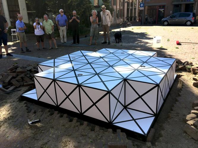 Het plaatsen van Squares op het Muggeplein in Deventer