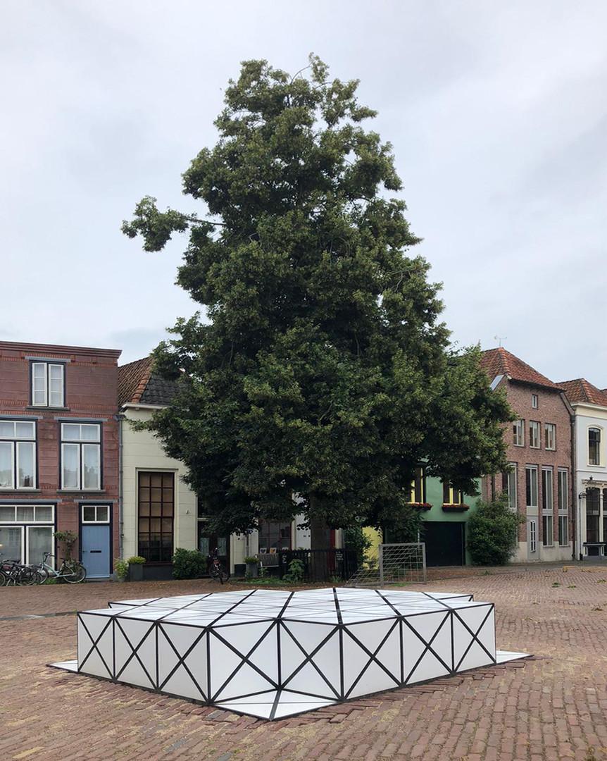 Squares_def03K.jpgSquares door AamSolleveld in opdracht van de bewoners en de gemeente Deventer