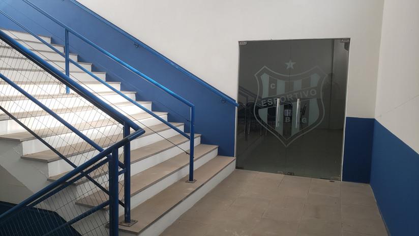 Escadaria e sala da presidência