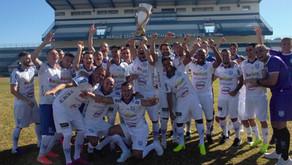 Clube Esportivo recebe taça de Campeão do Interior 2020