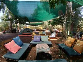 מתחם אוהלים על המים
