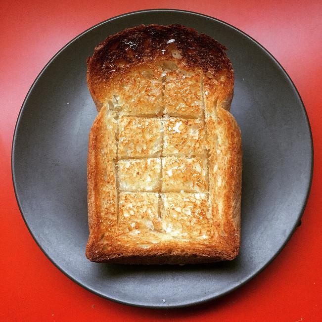 朝ごパン DONQ ハードトースト