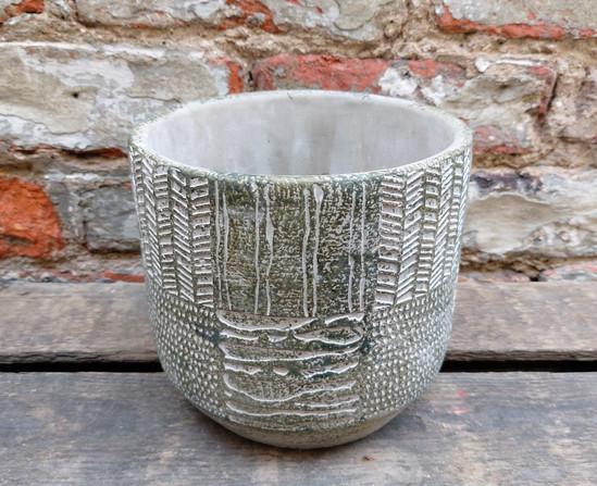 Grey textured pot