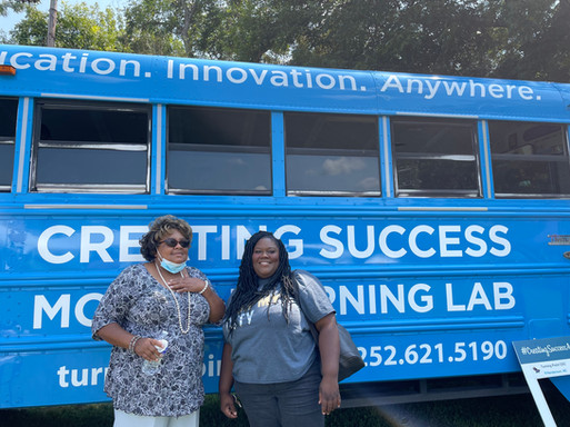 Come pose with the Mobile Learning Lab!