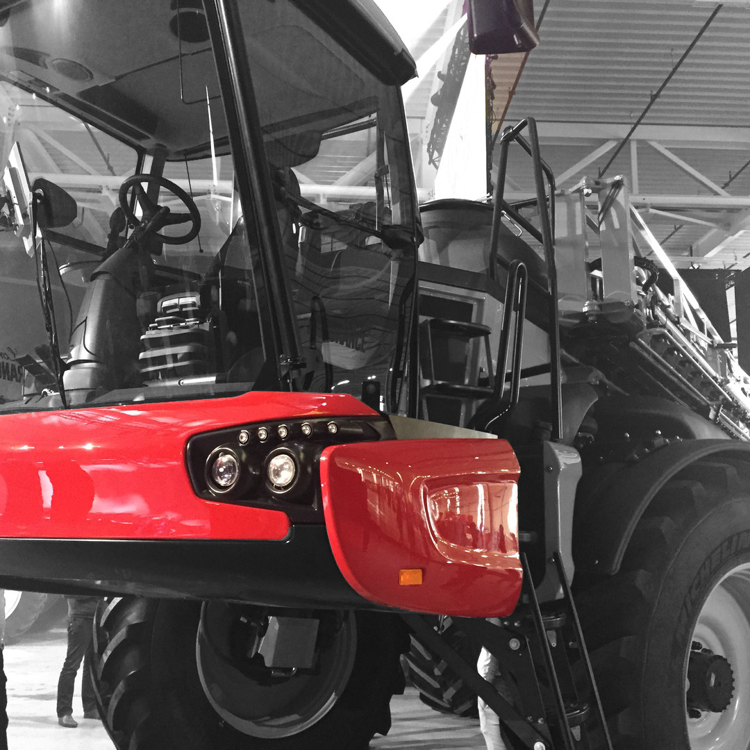 Body thermoformed agricultural machinery