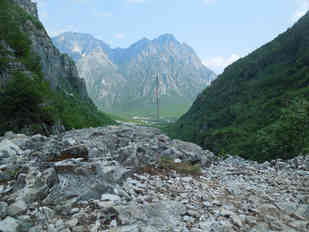 LOCATION 119, THETHI, Albania, 42°21'37.88''N 19°45'13.99''E Placed by Femke Cools and Dimitri Riemis Since August 13, 2015