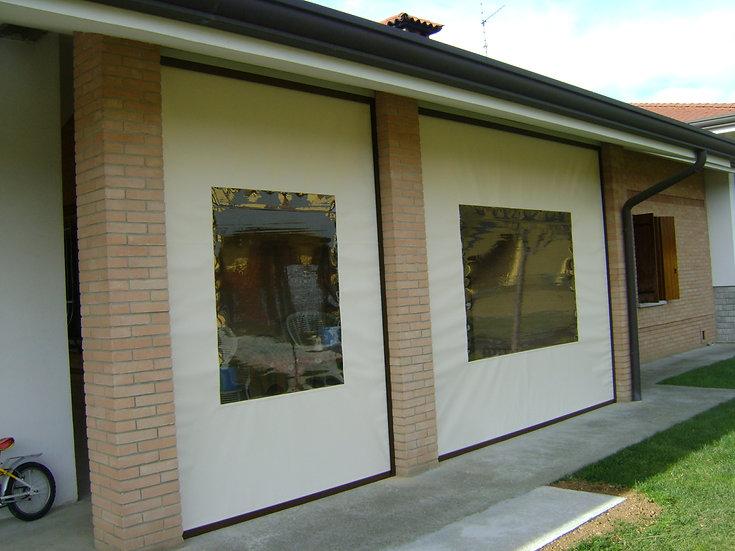 Tenda da sole verticale finestrata