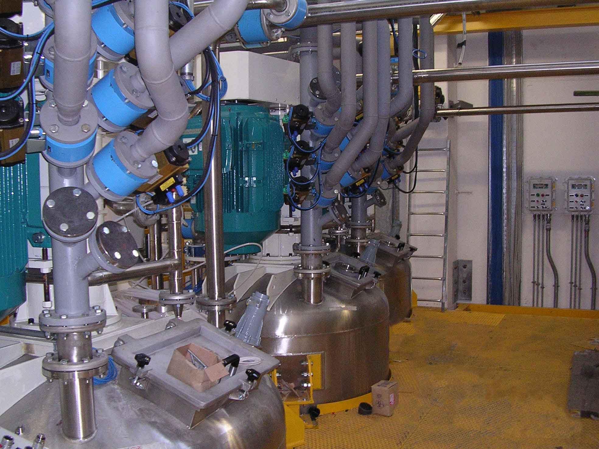 Reattori con piping impianto vernici