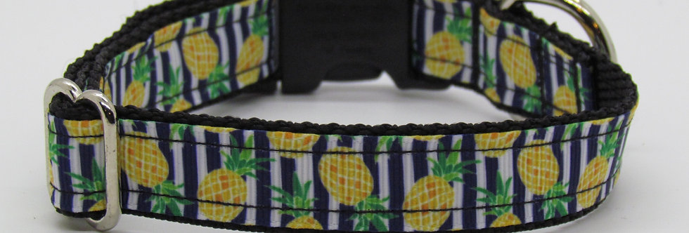 Small Pineapples Dog Collar