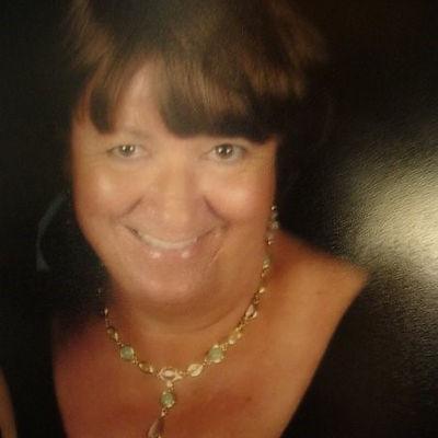 Linda Carpenter-headshot1.jpg