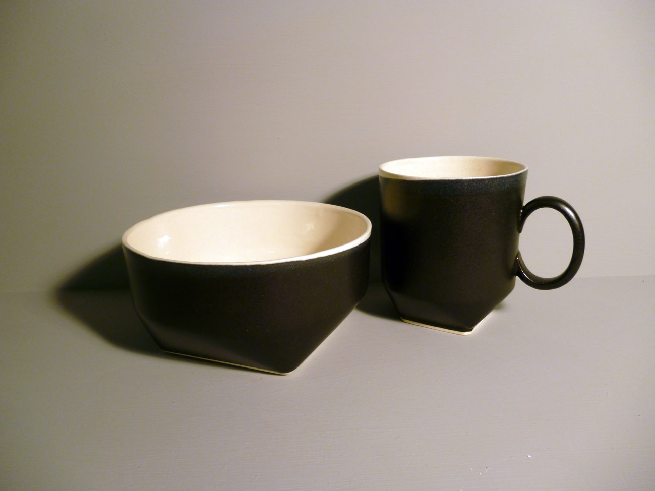 Breakfast Set in Graphite-Black